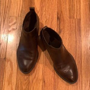 Born Brown Leather booties 7M